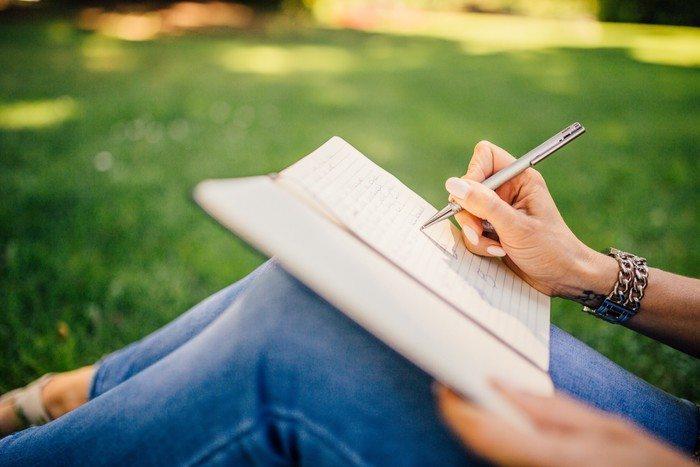 Forfatter kan få anmeldelse af bog